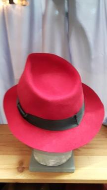 felt-hat-red