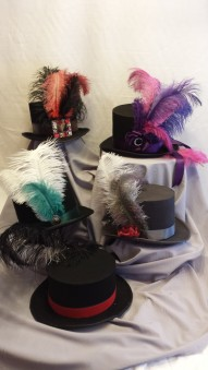 lady-top-hat-with-feathers